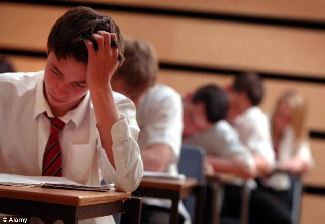 Зачем одиннадцатикласснику ходить на курсы ЕГЭ русский в Москве?